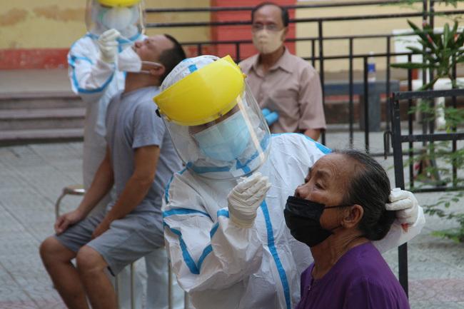 Ngày mai, Đà Nẵng tiêm 100 liều vaccine phòng Covid-19 đầu tiên