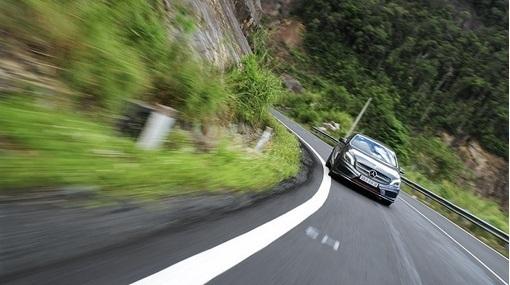 6 bước thoát chết khi xe mất phanh ở tốc độ cao