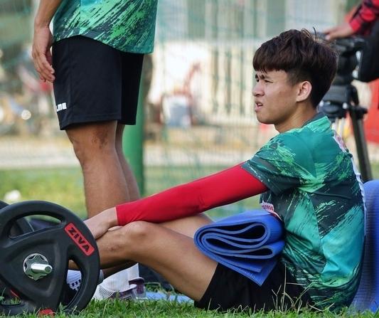 Phan Thanh Hậu và Hồ Tuấn Tài vắng mặt ở vòng 3 V.League