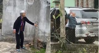 Xúc động clip mẹ già 103 tuổi bịn rịn ra tiễn con gái 80 tuổi, nghẹn ngào nói: