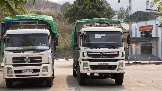 Điều tra nghi vấn 2 chiếc xe tải chở hàng cấm ở Cửa khẩu Ma Lù Thàng