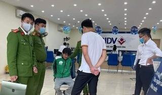 Nóng: Người đàn ông mặc áo xe công nghệ cướp ngân hàng tại Hà Nội