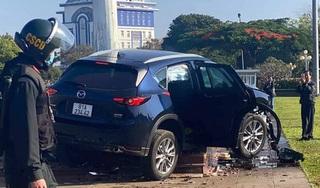 Tài xế lái xe lao kinh hoàng vào trụ cờ Quảng trường tại Gia Lai bị khởi tố