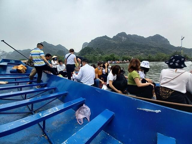 Bất cập lễ hội Chùa Hương