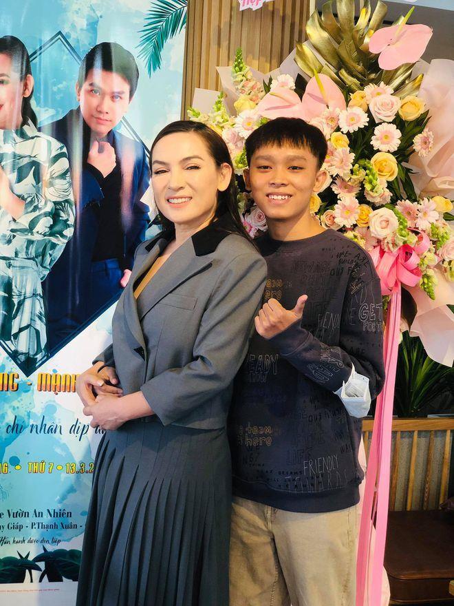 Phi Nhung hoàn toàn ủng hộ quyết định của con trai