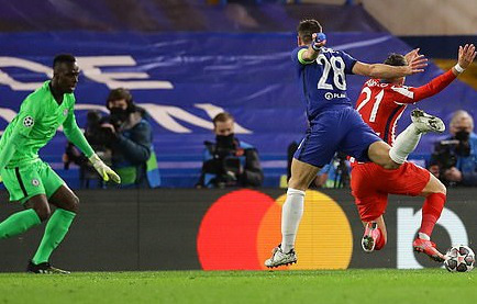 Atletico Madrid bị Chelsea loại tức tưởi