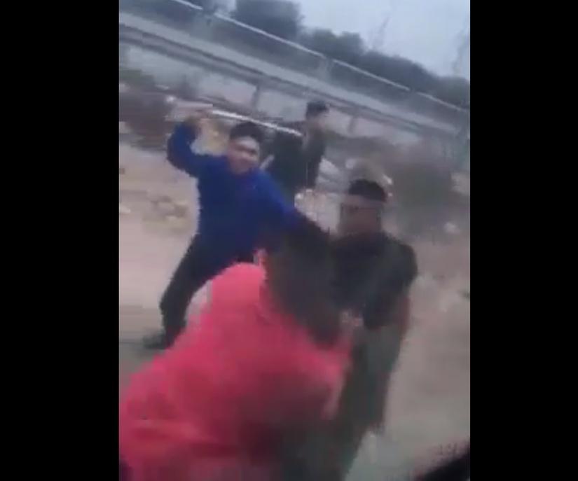 Tài xế xe khách bị nhóm côn đồ cầm tuýp sắt tấn công liên tiếp