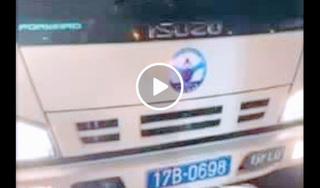 """Thái Bình: Nam thanh niên bị """"ăn đòn"""" sau khi mâu thuẫn với thầy dạy lái xe trên đường"""