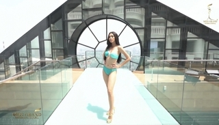 """Miss Grand International 2020: Xuất hiện """"áp chót"""" tại phần thi áo tắm, Á hậu Ngọc Thảo vẫn nổi bần bật"""