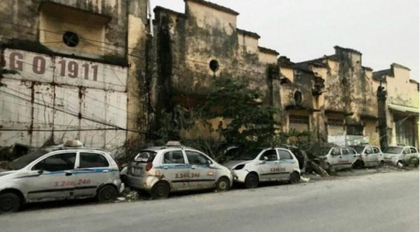 Chính quyền nói gì về việc một loạt xe taxi Thành Yến bị bỏ quên ở đường