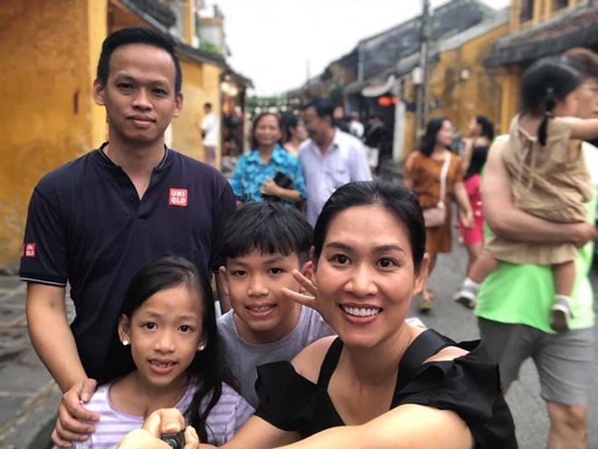 gia đình nhỏ hạnh phúc của nữ diễn viên