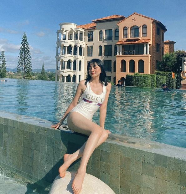 hot girl Angela Chu