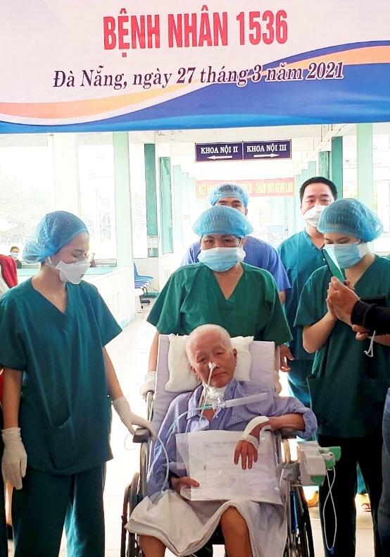 Bệnh nhân Covid-19 diễn biến bệnh trạng nặng nhất nước ra viện