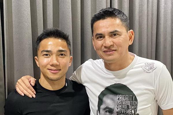 HLV Kiatisak rủ 'Messi Thái Lan' sang V.League