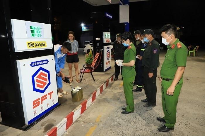 Bộ Công an khẳng định có tình trạng bảo kê cho hoạt động buôn lậu, làm xăng giả