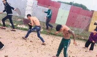 Bắc Giang: Người dân dùng chất bẩn ngăn cản đơn vị xây dựng công trình