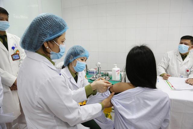 Ngày mai hoàn thành thử nghiệm giai đoạn 2 vaccine Nano Covax tại Hà Nội