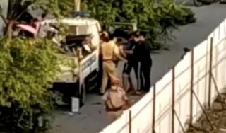 Đã làm rõ clip cảnh sát giao thông Hà Nội túm tóc, đấm túi bụi nhóm thanh niên