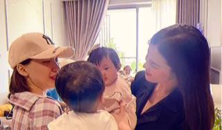 Con gái Đông Nhi và con trai Hòa Minzy lần đầu gặp mặt, ánh mắt nhìn nhau