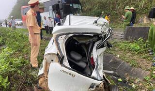 Ô tô con tông trực diện xe khách, 2 người tử vong tại chỗ