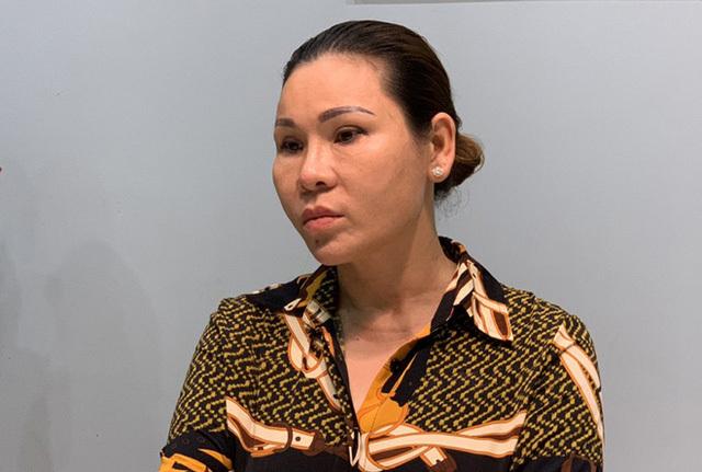Hình ảnh sang chảnh, đi du lịch đắt đỏ của vợ diễn viên Kinh Quốc trước khi bị bắt