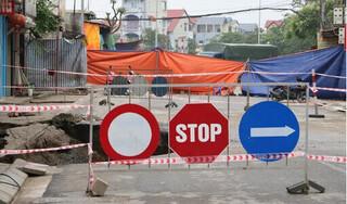 """""""Hố tử thần"""" ở Hà Nội tiếp tục lan rộng, nhiều hộ dân phải di dời khẩn cấp"""