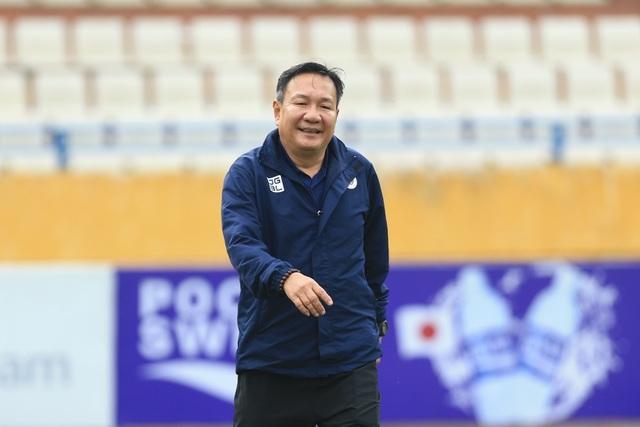 Hà Nội FC đè bẹp Than Quảng Ninh