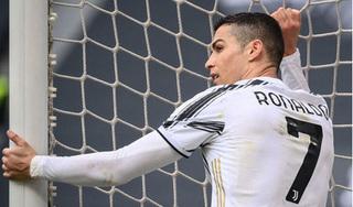Ronaldo bỏ lỡ bàn thắng không tưởng, HLV Pirlo nói gì?