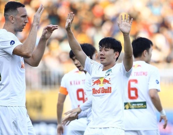 HAGL thắng sát nút Nam Định trên sân nhà