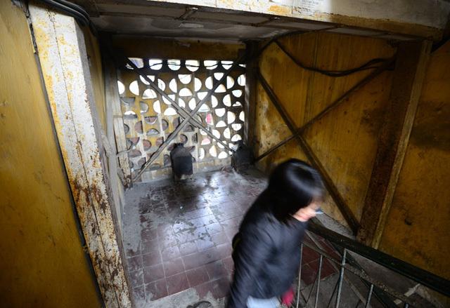 Vì sao việc cải tạo chung cư, tập thể cũ ở Hà Nội lại chậm trễ, kéo dài cả thập kỷ