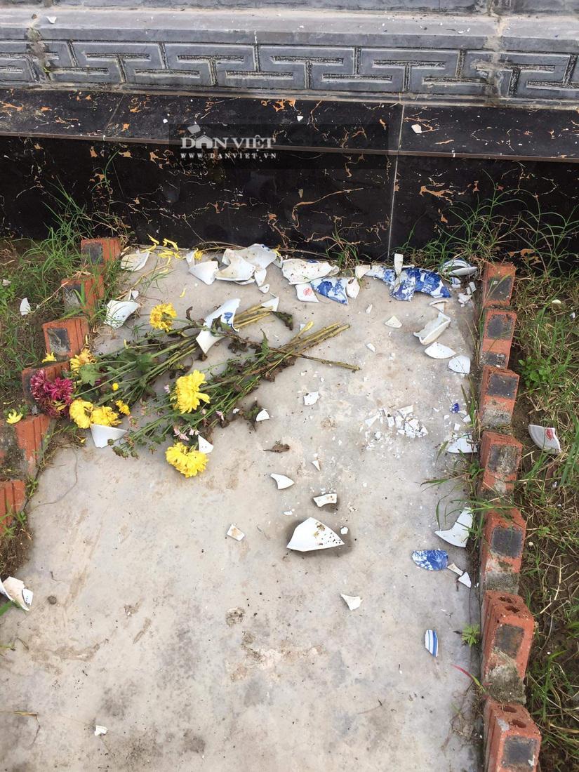 Một loạt ngôi mộ ở Hải Phòng bị kẻ xấu đập phá
