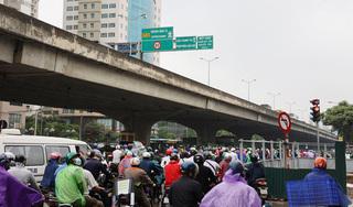 Hà Nội: Nút giao Lê Văn Lương - Tố Hữu ùn tắc kéo dài vì thi công hầm chui sai thiết kế