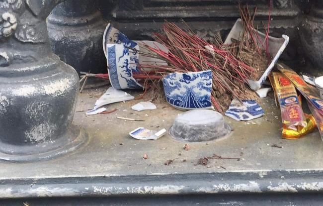 Vụ đập phá mộ ở Hải Phòng, kẻ xấu tiếp tục đập phá mộ của người dân