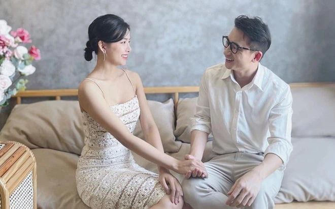 Nhan sắc vợ hot girl của Phan Mạnh Quỳnh xinh đẹp đốn tim, hiếm hoi mặc hở bạo
