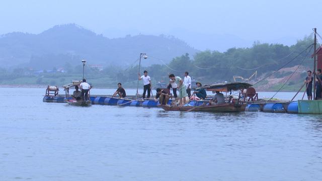 Tìm thấy thi thể 2 học sinh bị nước cuốn trôi khi tắm trên sông Đà