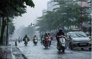 Đợt mưa dông tầm tã ở miền Bắc còn kéo dài đến khi nào?