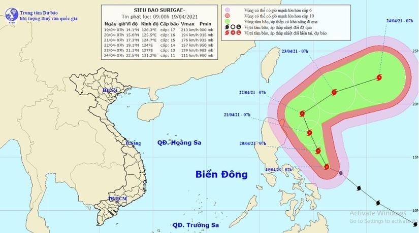 Thông tin mới nhất về siêu bão Surigae giật trên cấp 17 đang hoạt động gần Biển Đông