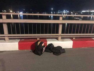 Quảng Ninh: Cứu sống nam thanh niên nhảy cầu Bãi Cháy