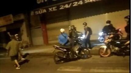 Thanh niên đua xe bị cảnh sát 'dởm' cướp xe máy