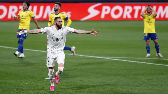 HLV Zidane khen hàng thủ hết lời sau khi Real Madrid lên đỉnh La Liga