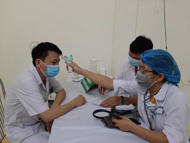 Thanh Hóa tiêm vaccine COVID-19 cho những y bác sĩ đầu tiên