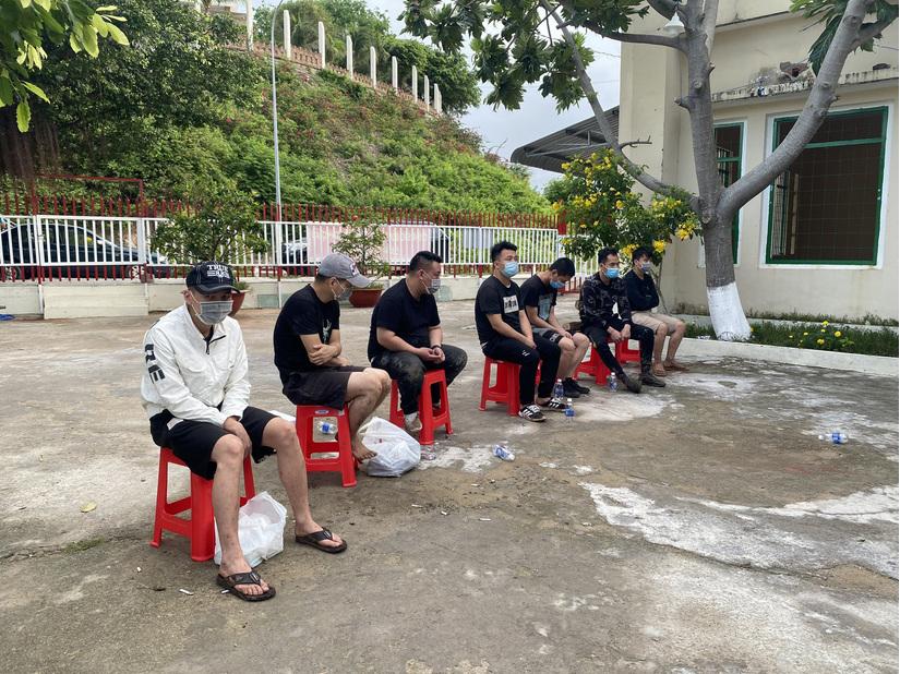 Liên tiếp bắt giữ 13 người Trung Quốc xuất cảnh trái phép sang Campuchia