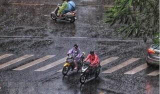 Sáng nay: Hà Nội có mưa rào và dông