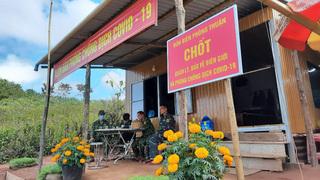 Quảng Trị: Sang Lào dự lễ bốc mộ, trở về 11 người bị cách ly