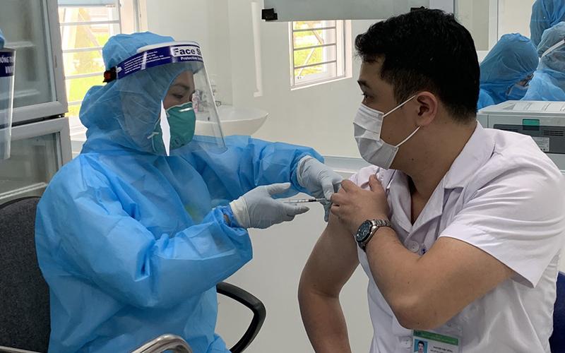 Không thêm ca mắc mới; hơn 425.600 người Việt đã tiêm vaccine phòng Covid-19