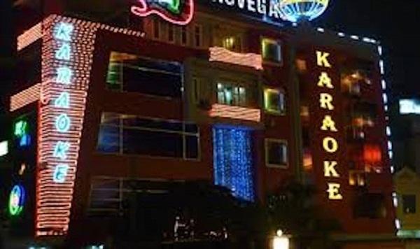 Hà Nội tạm dừng dịch vụ karaoke, quán bar, vũ trường từ 0h ngày 30/4