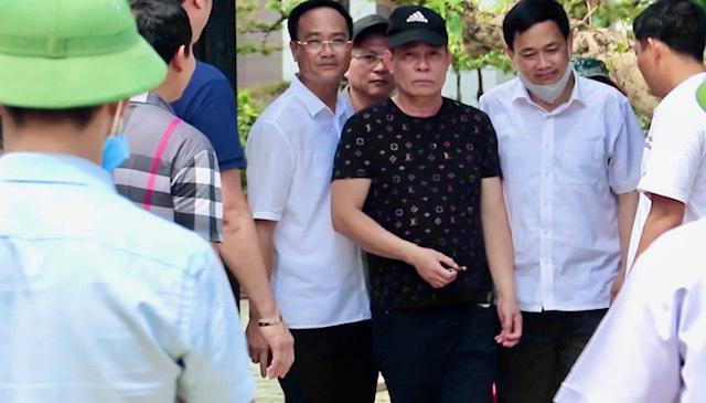 Vụ bắn chết hai người, cố thủ ở Nghệ An, nghi phạm là đại gia, từng rất có số má