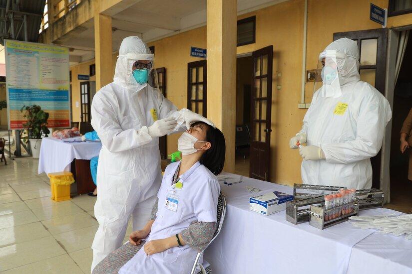 Sáng 4/5, thêm 2 ca nhiễm COVID-19 trong cộng đồng tại Hà Nội và Đà Nẵng