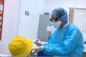 Lịch trình của trưởng khoa Bệnh viện ở Hà Nội vừa phát hiện dương tính SARS-CoV-2