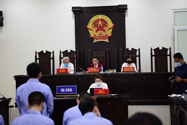 Xét xử 4 cựu thanh tra giao thông bảo kê xe vua ở Hà Nội